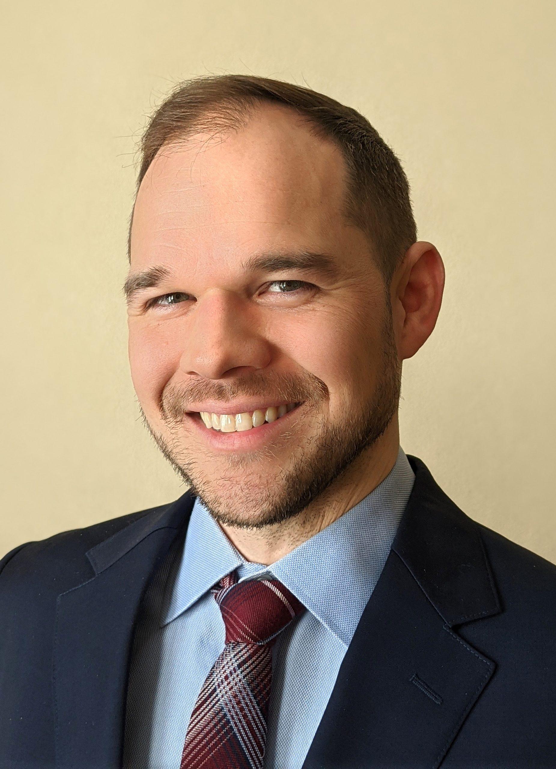 Andrew Lohsen Headshot
